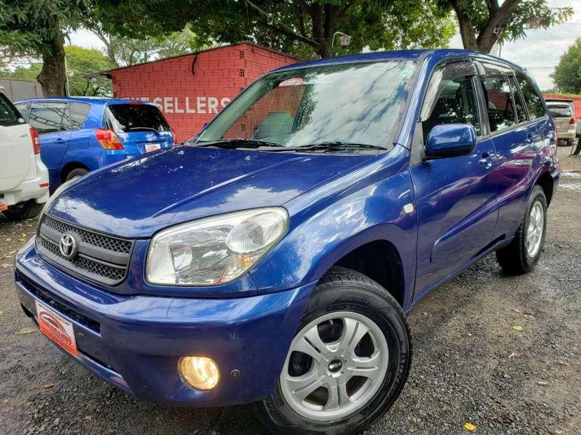 Toyota rav4 color azul 2005 - 0
