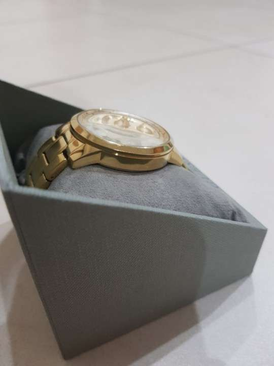 Reloj GUESS Femenino de acero inoxidable. - 1