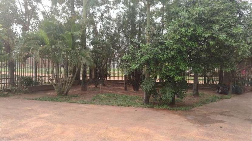 Casa tipo casa quinta en Ypane - 1