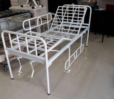 Cama hospitalaria de 2 movimientos manual nacional y colchón - 0