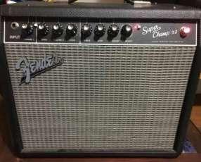 Amplificador de guitarra a válvulas Fender super champ
