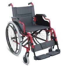 Silla de ruedas con posa brazos rebatibles