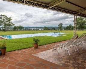 Residencia en Hohenau con hermosa vista al Río Paraná