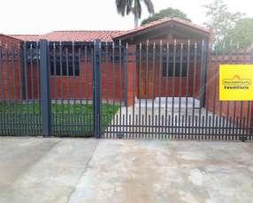 Chalet en Mariano Roque Alonso Y5354