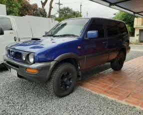 Nissan mistral 1998 automático diésel