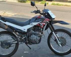 Moto Kenton Shark 220