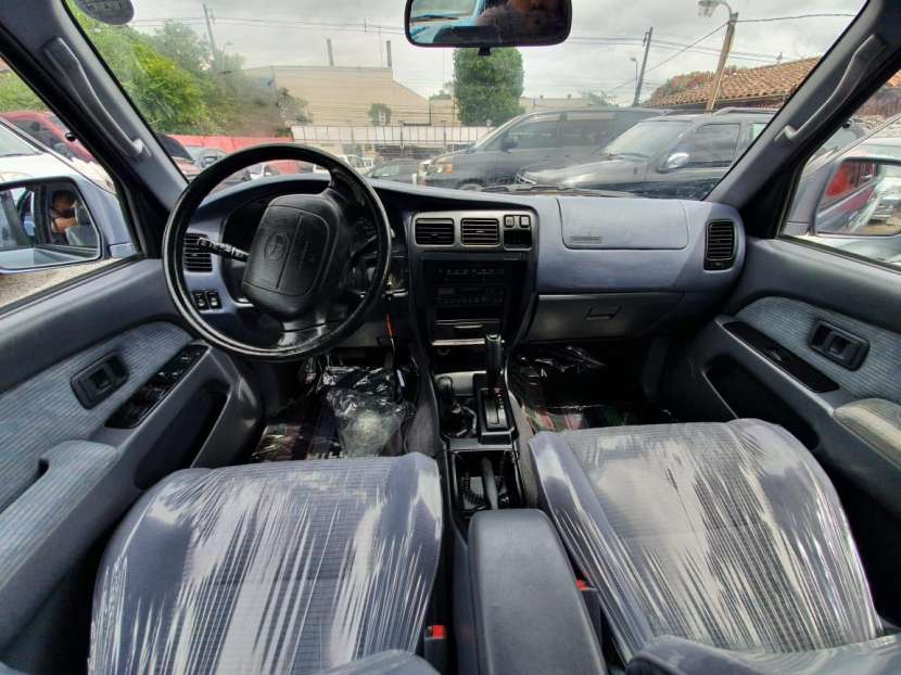 Toyota hilux surf 1998 - 6