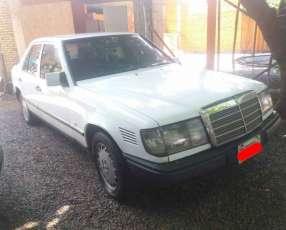 Mercedes Benz 1994 diésel. automático.