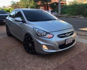 Hyundai accent 2012. Automática.