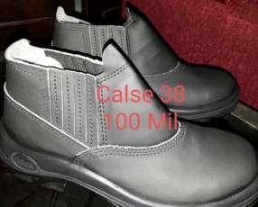 Botas (Zapaton punta Acero 38)