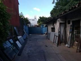 Tinglado a metros de Gral. Santos, barrio San Vicente
