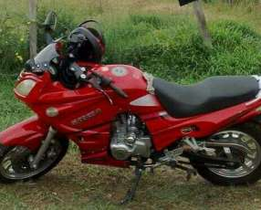 Suzuki ninja 2011 motor 200 cc
