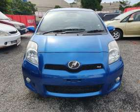 Toyota New Vitz rs 2010 motor 1.3 naftero automático