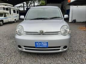 Toyota Sienta 2004