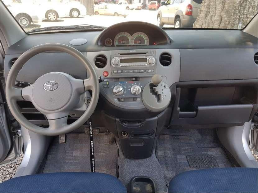Toyota Sienta 2004 - 5