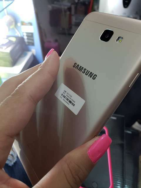 Samsung Galaxy J7 Prime 32 gb - 0