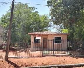 Casa a estrenar con gran patio en San Lorenzo barrio Rincón