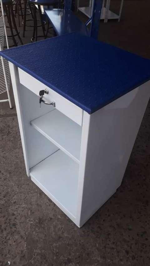 Mostradores gondolas y caja para dinero - 2