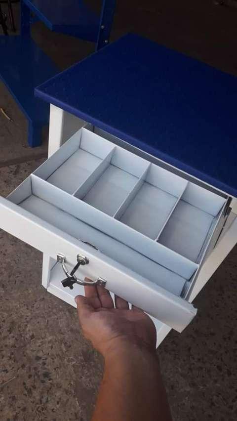 Mostradores gondolas y caja para dinero - 3