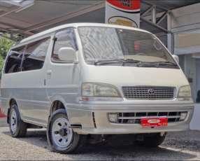 Toyota Hiace Super Custom 1998 motor 3.0 diésel automático