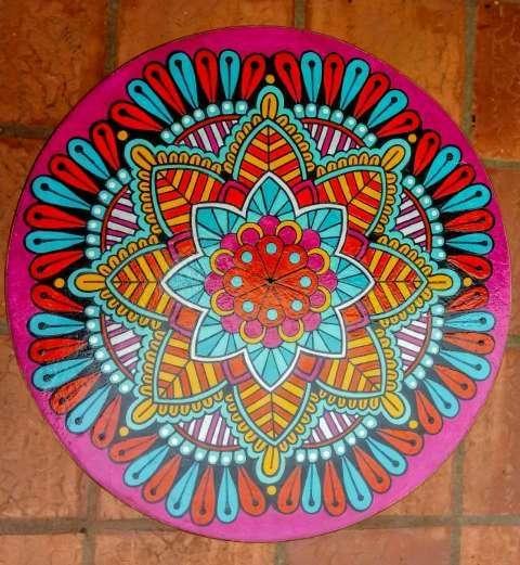 Taburetes pintados con mandalas - 3