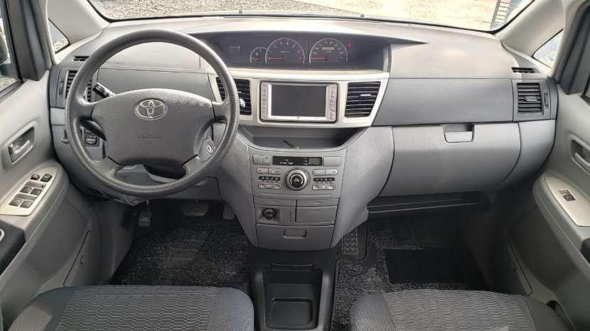 Toyota noah / voxy 2005 - 7