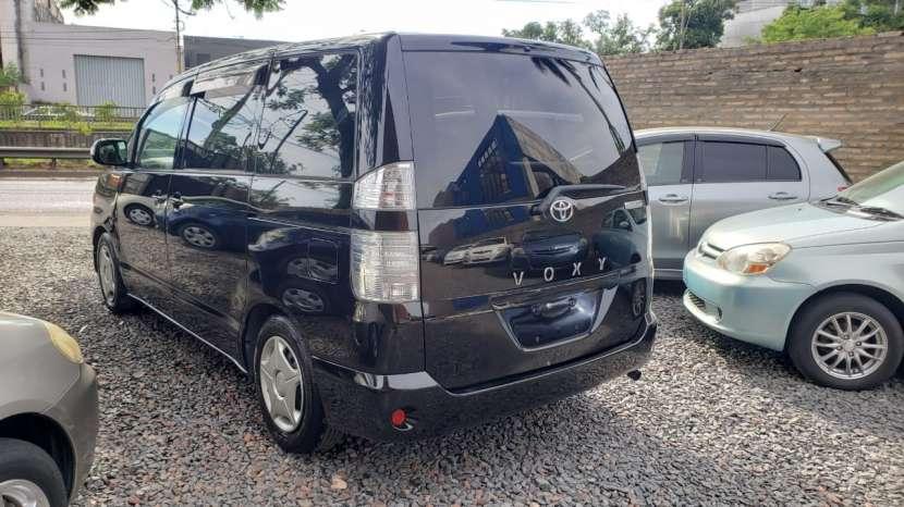 Toyota noah / voxy 2005 - 4