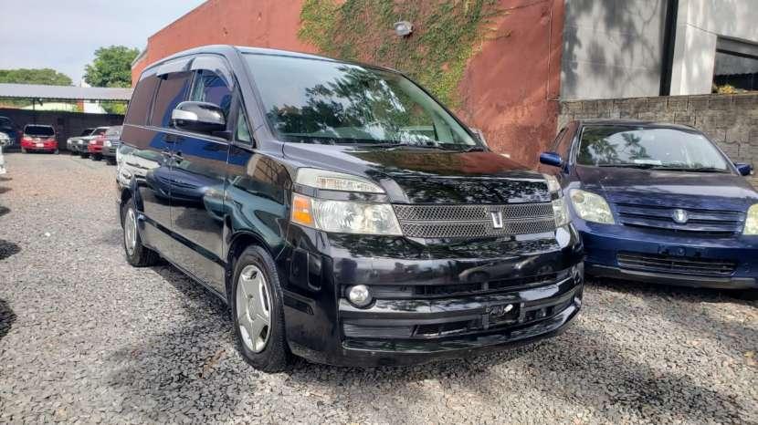 Toyota noah / voxy 2005 - 2