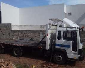 Camión transportadora doble eje Volvo