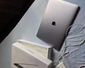 MacBook Pro con touchbar