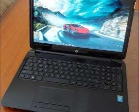 HP Intel i3 5010u 6GB Touchscreen 750 gb