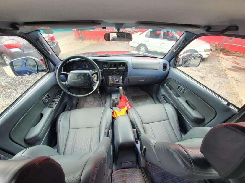 Toyota hilux doble cabina 1998 - 7