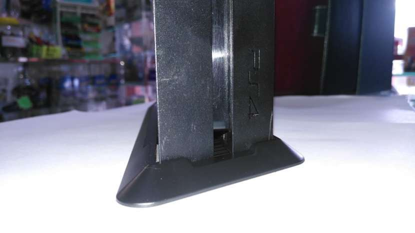 Vertical Stand / Soporte Vertical PS4 - 1