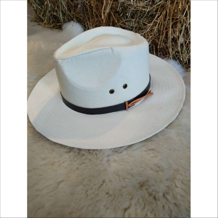 Sombrero de cuero - 1