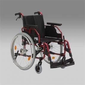Silla de ruedas de aluminio posa pies y apoyabrazo rebatible