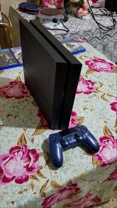 PS4 con juegos - 1