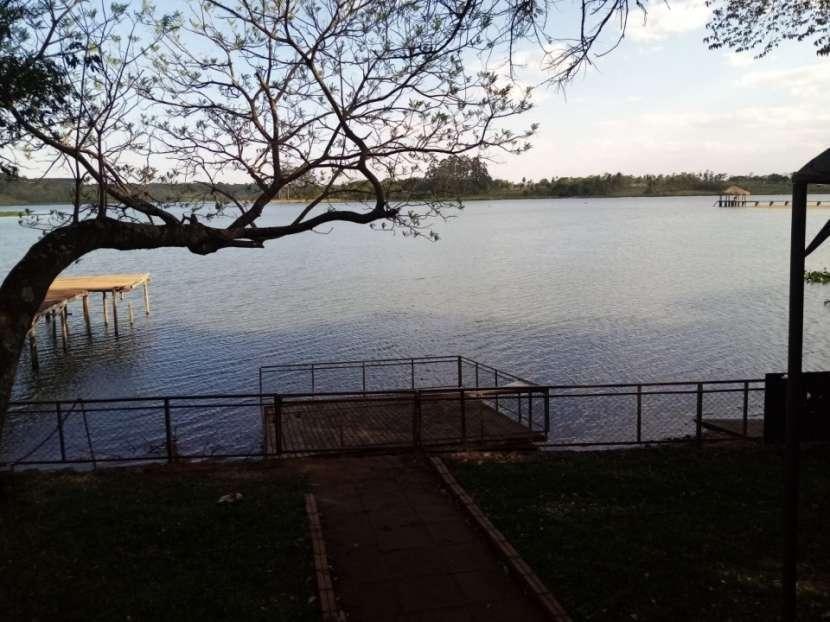 Propiedad frente al Lago Acaray Hernandarias - 0