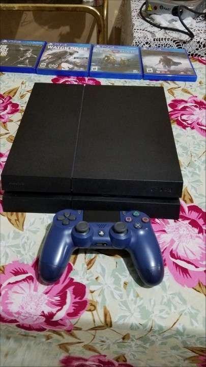 PS4 con juegos - 0