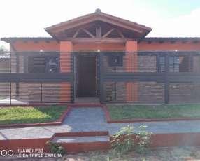 Casa a estrenar en ñemby, barrio san carlos. Y5377.