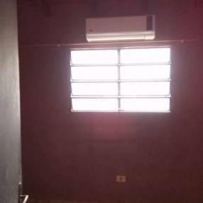 Pieza con aire y baño privado zona Multiplaza