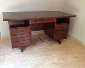 Mueble de oficina - escritorio de madera