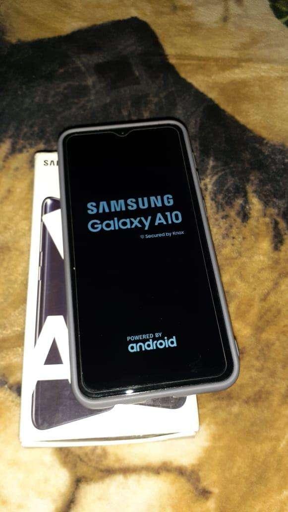 Samsung Galaxy A10 - 0