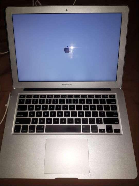 MacBook Air 2011 - 2