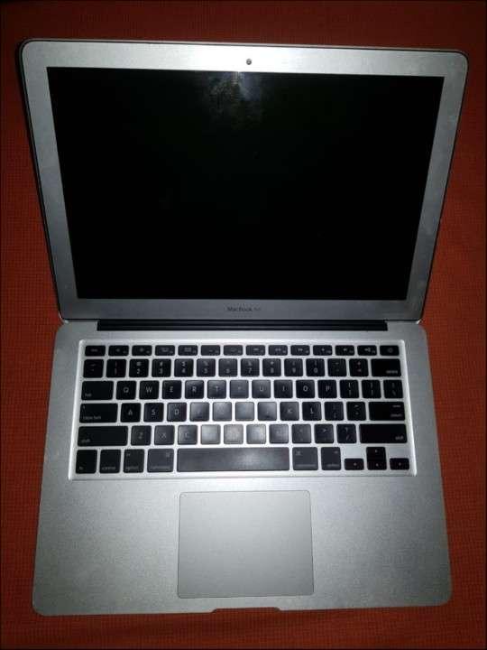 MacBook Air 2011 - 1