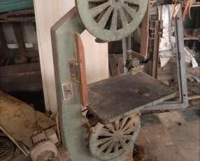 Máquina de carpintería, sinfín metálico. 50 de rueda