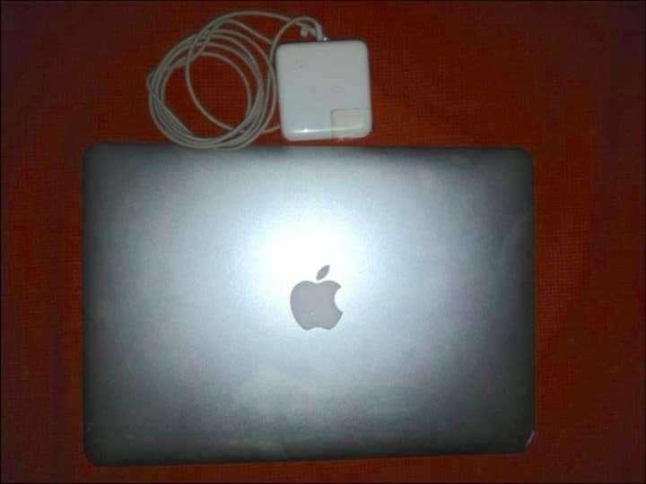 MacBook Air 2011 - 0