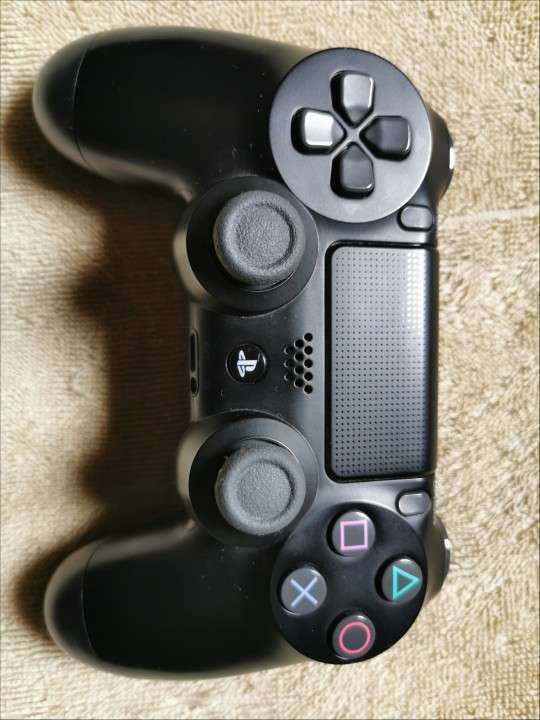 Playstation 4 - 4