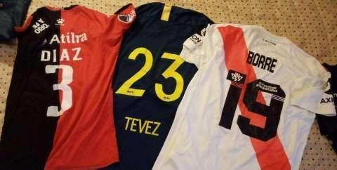 Camisetas de Tevez Santos Borré y Díaz - 1