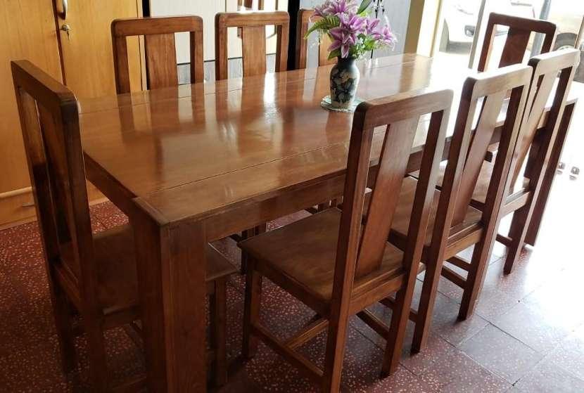 Mesa con 8 sillas - 0