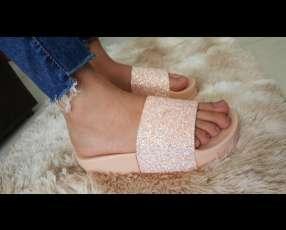 Zapatillas brillosas